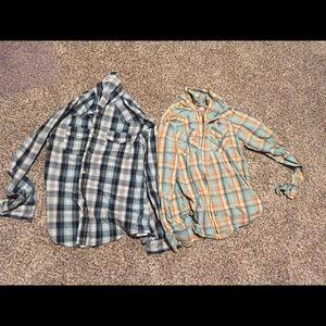 Set of 2 medium Levi plaid shirts
